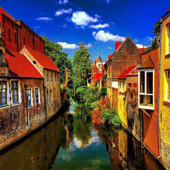 """""""Beautiful Buildings, Dirty Water"""" (Belgium)"""